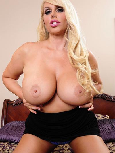 Pornstar busty tits
